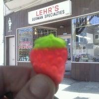 6/8/2012 tarihinde SFConciergeziyaretçi tarafından Lehr's German Specialties'de çekilen fotoğraf
