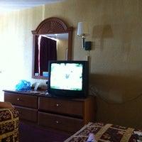 Photo taken at Days Inn Orlando/International Drive by Airina G. on 9/24/2011