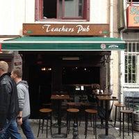 Photo prise au Teachers Pub par Onur Y. le4/21/2012
