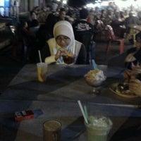 Photo taken at Medan Selera Pendamg by Atiqah J. on 12/10/2011
