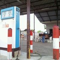 รูปภาพถ่ายที่ ปั้มแก๊ส LPG สยามแก๊ส โดย Job จ. เมื่อ 12/21/2011