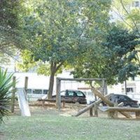 Das Foto wurde bei Praça Monteiro dos Santos von Rodrigo G. am 7/11/2011 aufgenommen