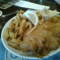 Снимок сделан в Olde Yorke Fish & Chips пользователем Monica L. 5/17/2012