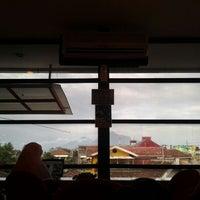 Снимок сделан в Platinum Internet Cafe & Game Online пользователем Mohammad Windy F. 1/20/2012
