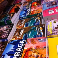 Foto tirada no(a) Saraiva MegaStore por Carlos V. em 6/17/2012
