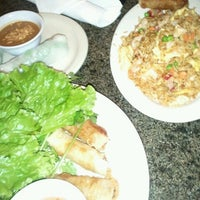 Photo taken at Hollywood Vietnamese & Chinese Cuisine by Caramels' D. on 7/22/2012