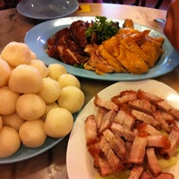 Photo taken at Famosa Chicken Rice Ball by Max M. on 5/1/2012