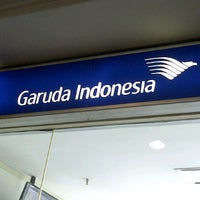 Photo taken at Garuda Indonesia Sales & Ticketing Office by Sony A. on 11/12/2011