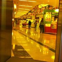 Foto tomada en Dot Baires Shopping por Jose T. el 5/13/2011