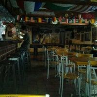 Photo prise au Treff Pub Alemán par Omar V. le10/22/2011