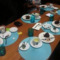 Foto tirada no(a) Feed Food por Albino P. em 7/25/2012