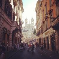 Foto scattata a Via dei Condotti da Luigi V. il 8/10/2012