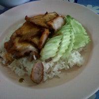 Photo taken at ร้านมันทนา. แยกร้องกวาง by preechaya s. on 2/16/2012