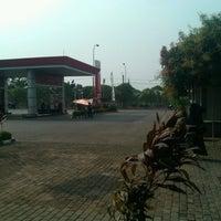 Photo taken at SPBU Benteng Betawi by Dody A. on 9/3/2012