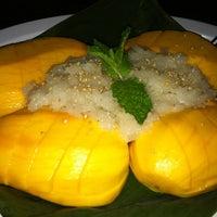 Das Foto wurde bei Thai X-ing von Jessie H. am 5/4/2012 aufgenommen