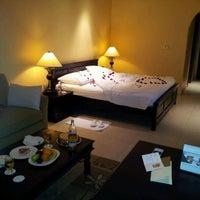 Photo taken at Mövenpick Hotel & Resort Al Bida'a by Yousef M. on 5/11/2012