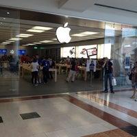 Photo taken at Apple Oriocenter by Matteo Z. on 6/2/2012
