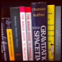 3/5/2012 tarihinde Jonathan I.ziyaretçi tarafından Ada's Technical Books and Cafe'de çekilen fotoğraf