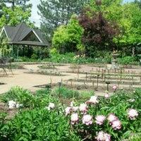 Foto scattata a Denver Botanic Gardens da Fel M. il 5/30/2012