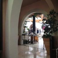Foto tirada no(a) Hotel Bel Air por Christine K. em 7/7/2012