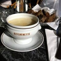 2/4/2012 tarihinde Suzette V.ziyaretçi tarafından Kitchenette'de çekilen fotoğraf