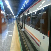 Foto tomada en Cercanías Aeropuerto T4 por Rafael S. el 5/14/2012