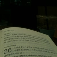Photo taken at Angel-in-us Coffee by 진석 김. on 5/18/2012