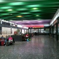 Foto tomada en Estación de Autobuses de Santiago por Santi L. el 5/18/2012