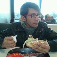 Foto tomada en McDonald's por Diego G. el 7/22/2012