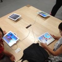 6/8/2012에 Cenk U.님이 Apple Memorial City에서 찍은 사진
