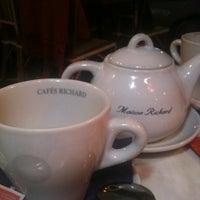 Photo taken at Cafés Richard by Burcu S. on 2/21/2012