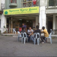 Photo taken at Restoran Kuty Bavoo by kət @ haji on 5/28/2012