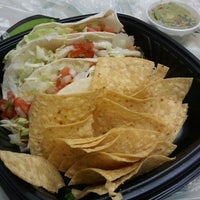 Photo taken at Lime Fresh Mexican Grill by Elio N. on 5/10/2012