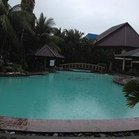 Photo taken at La Filipiniana Hotel by Ruel A. on 3/28/2012