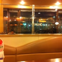 Photo taken at Denny's by shiroww on 2/25/2012