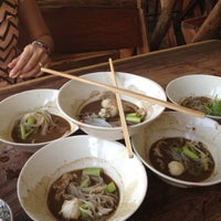 Photo taken at Rue Thong Boat Noodle by Chompoo P. on 5/1/2012
