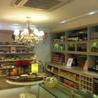 Foto tirada no(a) Marie-Madeleine Boutique Gourmet por Marcos Z. em 3/17/2012