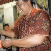 Photo taken at Nasi Goreng Jawa Pak Ndut by Septy'an P. on 9/12/2012