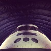 Photo prise au Space Shuttle Pavilion at the Intrepid Museum par Alan W. le7/27/2012
