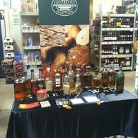 Photo taken at Kenwood Liquors - Homer Glen by Kyle M. on 3/19/2012