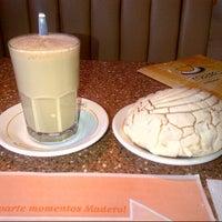 Foto tomada en Madero Restaurant-Café por Edgar d. el 8/28/2012