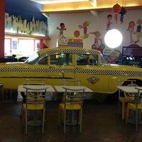 Foto tirada no(a) NYC Burger por || Diogo R. em 2/21/2012