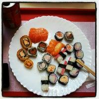 Foto tirada no(a) Sukiyaki por Alex G. em 6/15/2012