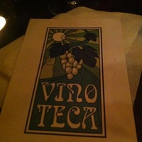 Photo prise au Vinoteca par Chloe M. le2/14/2012