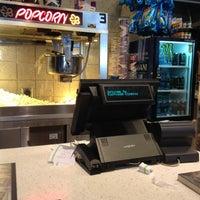 Foto tomada en NCG Eastwood Cinemas por Briana v. el 3/24/2012