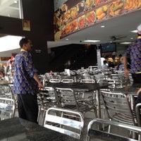 Photo taken at Nasi Kandar Pelita by Winson H. on 5/12/2012