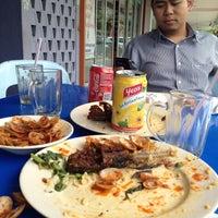 Photo taken at Restoran Ukhwah 1Malaysia by Aimullah Abas on 3/7/2012