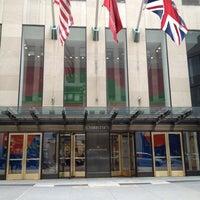Photo prise au Christie's par Traci D. le4/1/2012