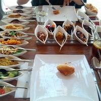 Das Foto wurde bei Restaurant Blauw von Roseline am 6/29/2012 aufgenommen
