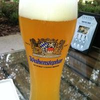 Photo prise au Taps Wine & Beer Eatery par Monica T. le8/4/2012